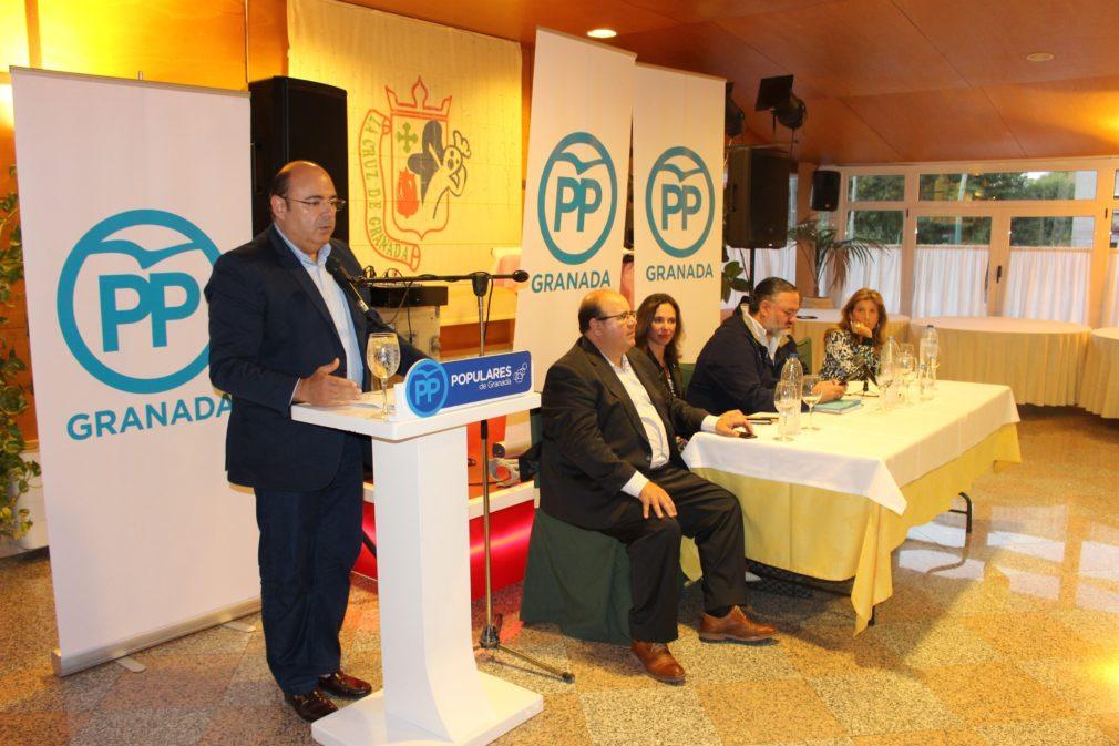 ANDALUCÍA.-Granada.- El PP dice que si no recupera la Alcaldía de Granada antes del final del mandato será culpa de Ciudadanos