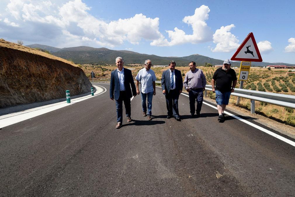 Mejora de la carretera de acceso a Lugros