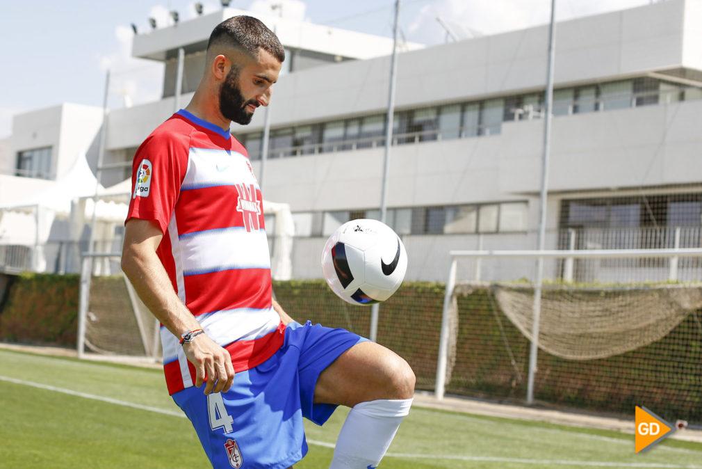 Presentacion de Maxime Gonalons como nuevo jugador del Granada CF