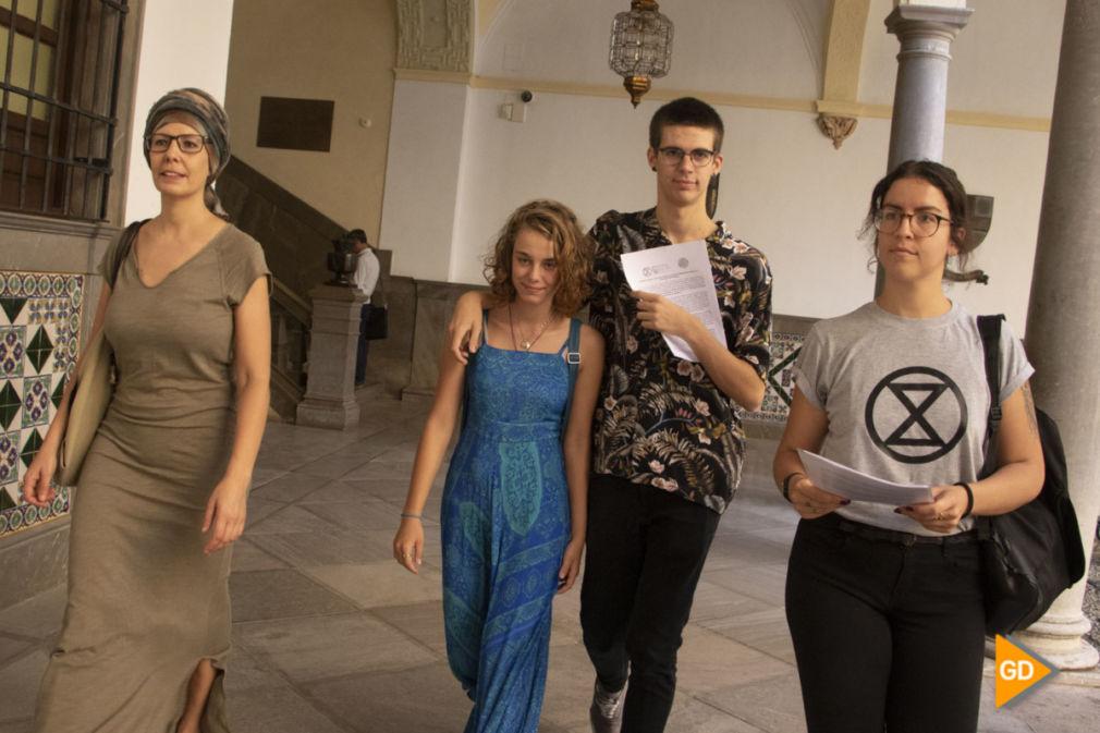 presentacion en el registro la declaracion de emergencia climatica en el ayuntamiento de Granada