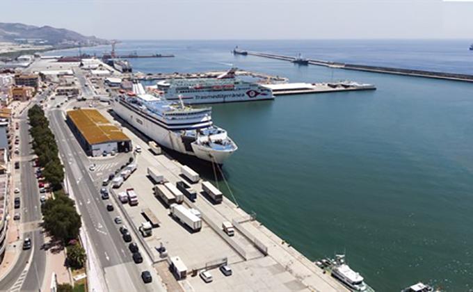 Ferrys en el Puerto de Motril