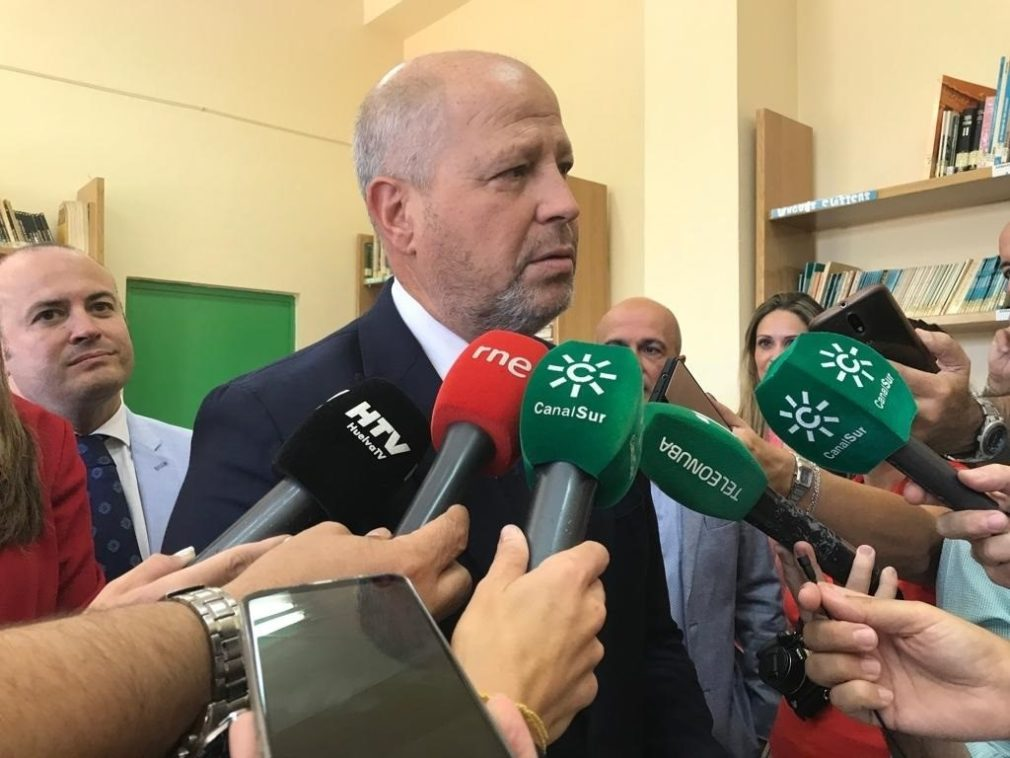 El consejero de Educación y Deporte, Javier Imbroda.