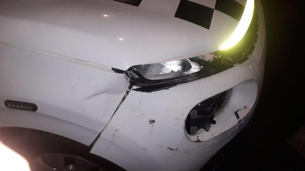 Vehículo de la Policía Local dañado en una persecución