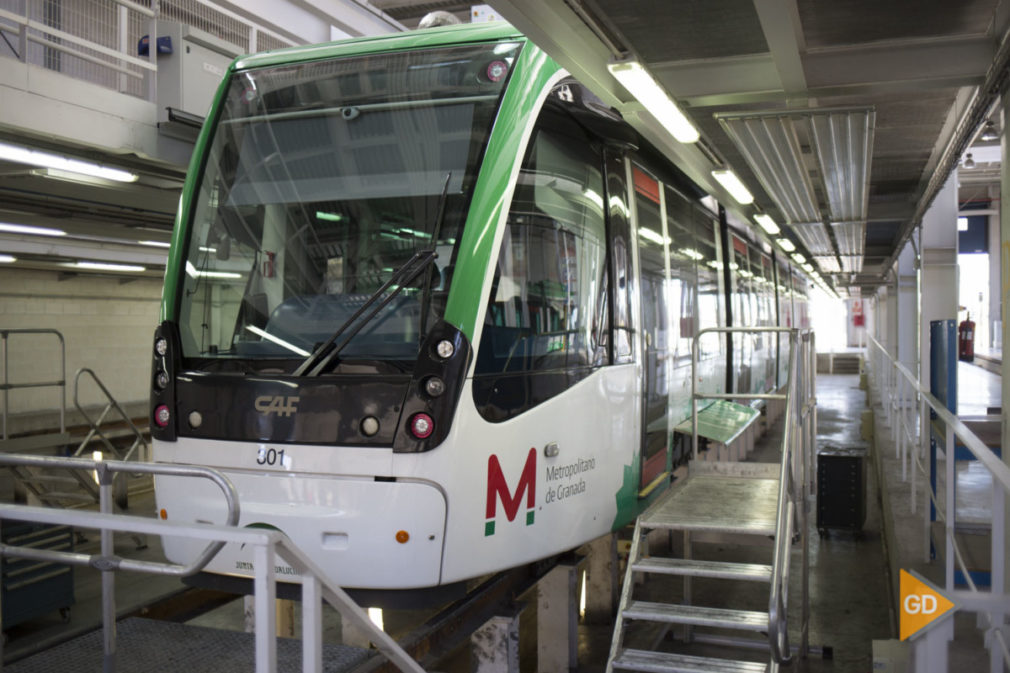 Visita a las cocheras del metro de Granada
