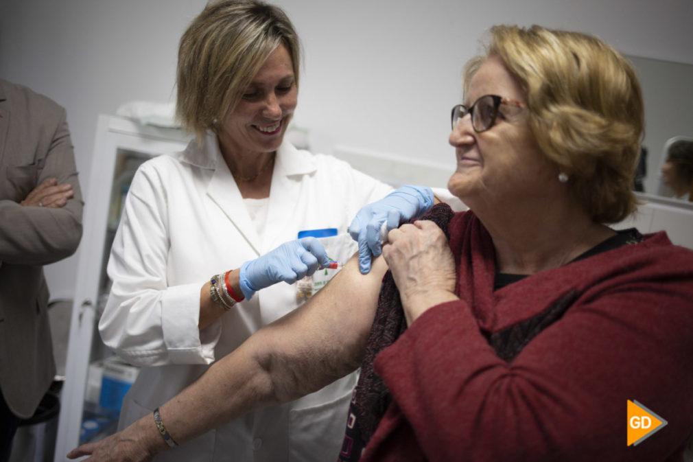 El delegado territorial de Salud y Familias de la Junta en Granada, Indalecio Sánchez-Montesinos, informa sobre los detalles de la campaña de vacunación contra la gripe 2019-2020