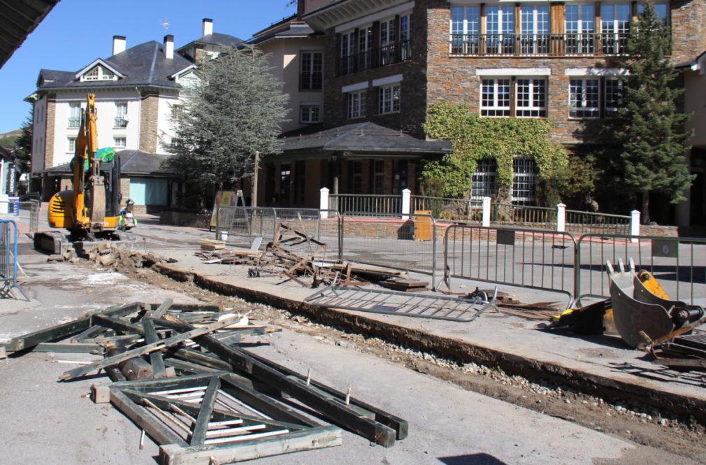 reparación de la plaza de Andalucía de Pradollano