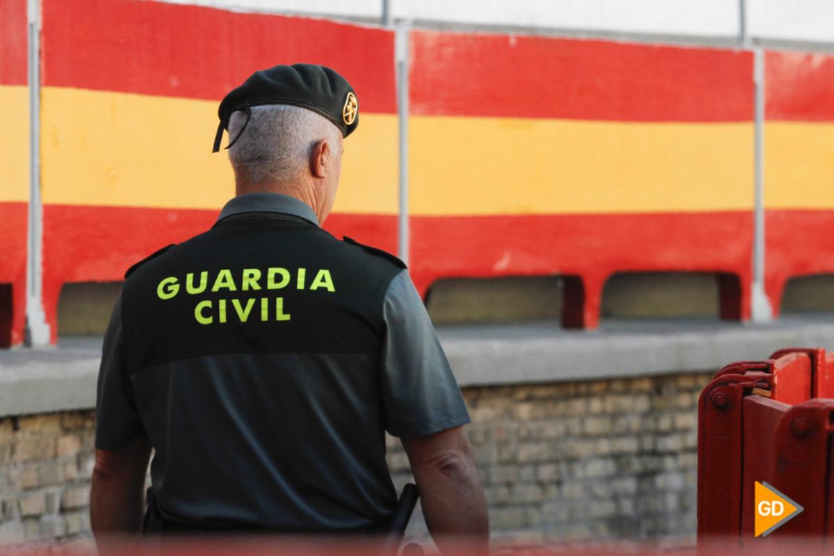 exhibicion de la guardia civil por el 175 aniversario