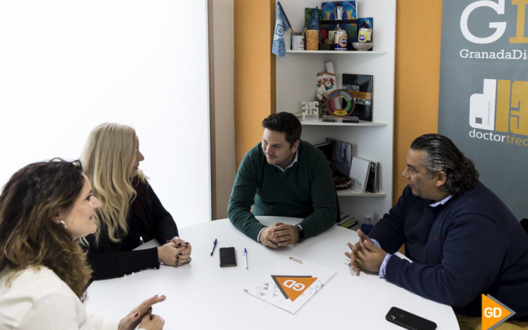 GranadaDigital y Centro Comercial Abierto firman un acuerdo para fomentar la compra en el pequeño y mediano comercio granadino