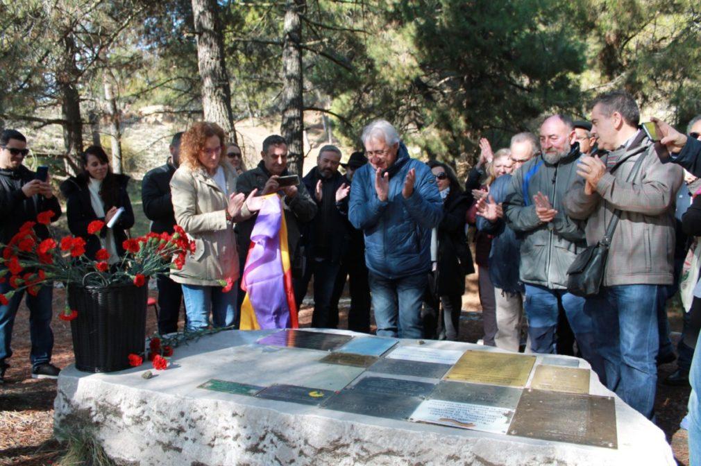 Granada.-Memoria.- CCOO descubre en Víznar una placa en homenaje a las víctimas de la dictadura franquista