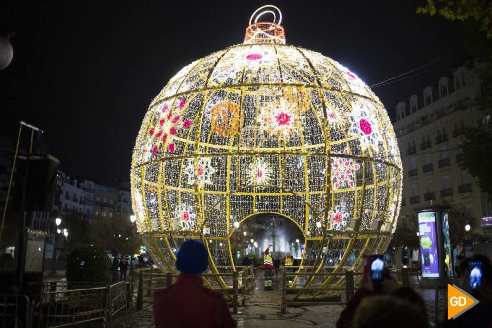 bola de luz de navidad en Granada