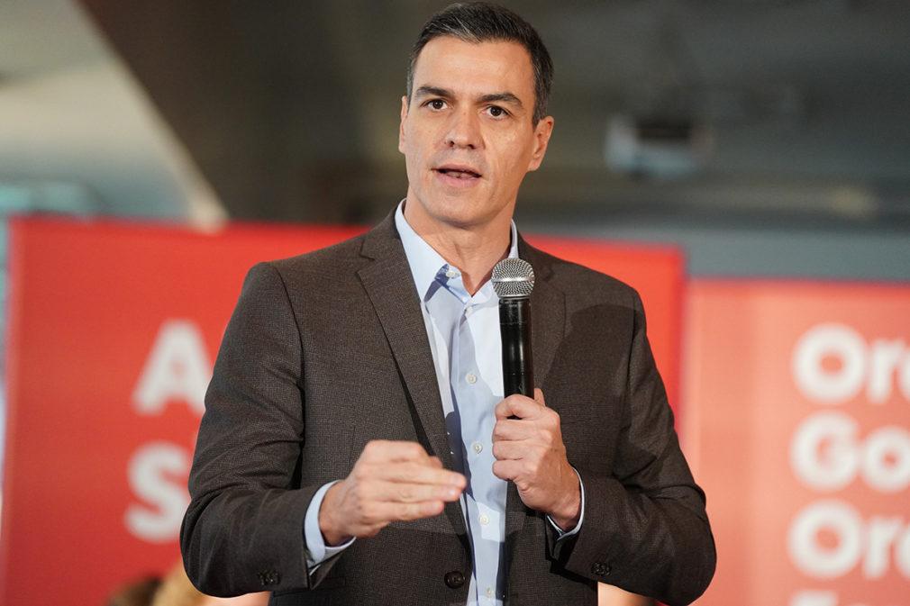El presidente del Gobierno en funciones, Pedro Sánchez, en un desayuno en Vitoria