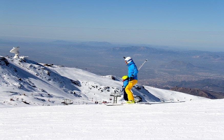 Granada.- Sierra Nevada cierra uno de sus mejores puentes de la Inmaculada con 37.600 esquiadores y un 77% de ocupación