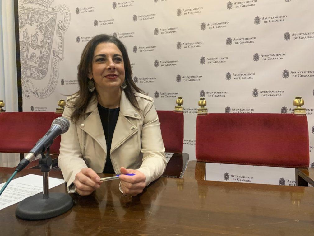 Granada.- El PSOE denuncia el recorte en la frecuencia de las líneas de autobuses llevada a cabo por el Ayuntamiento
