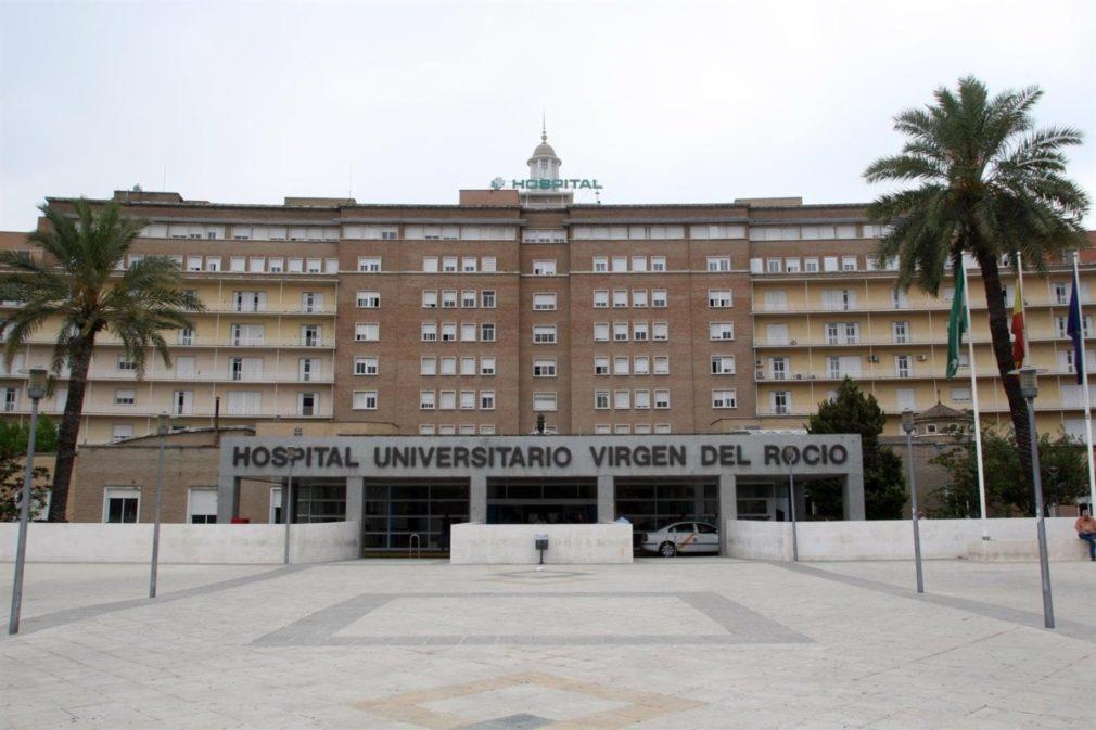 Granada.- Sucesos.- Continúa ingresado en la UCI muy grave el joven de 22 años quemado en el incendio de un piso