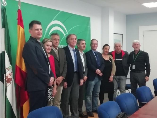 Granada.- El Hospital Virgen de las Nieves firma un convenio de colaboración con la Asociación Athej