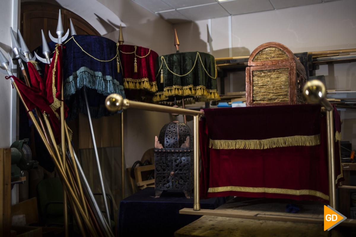 taller donde se prepara la cabalgata de los reyes magos de Granada