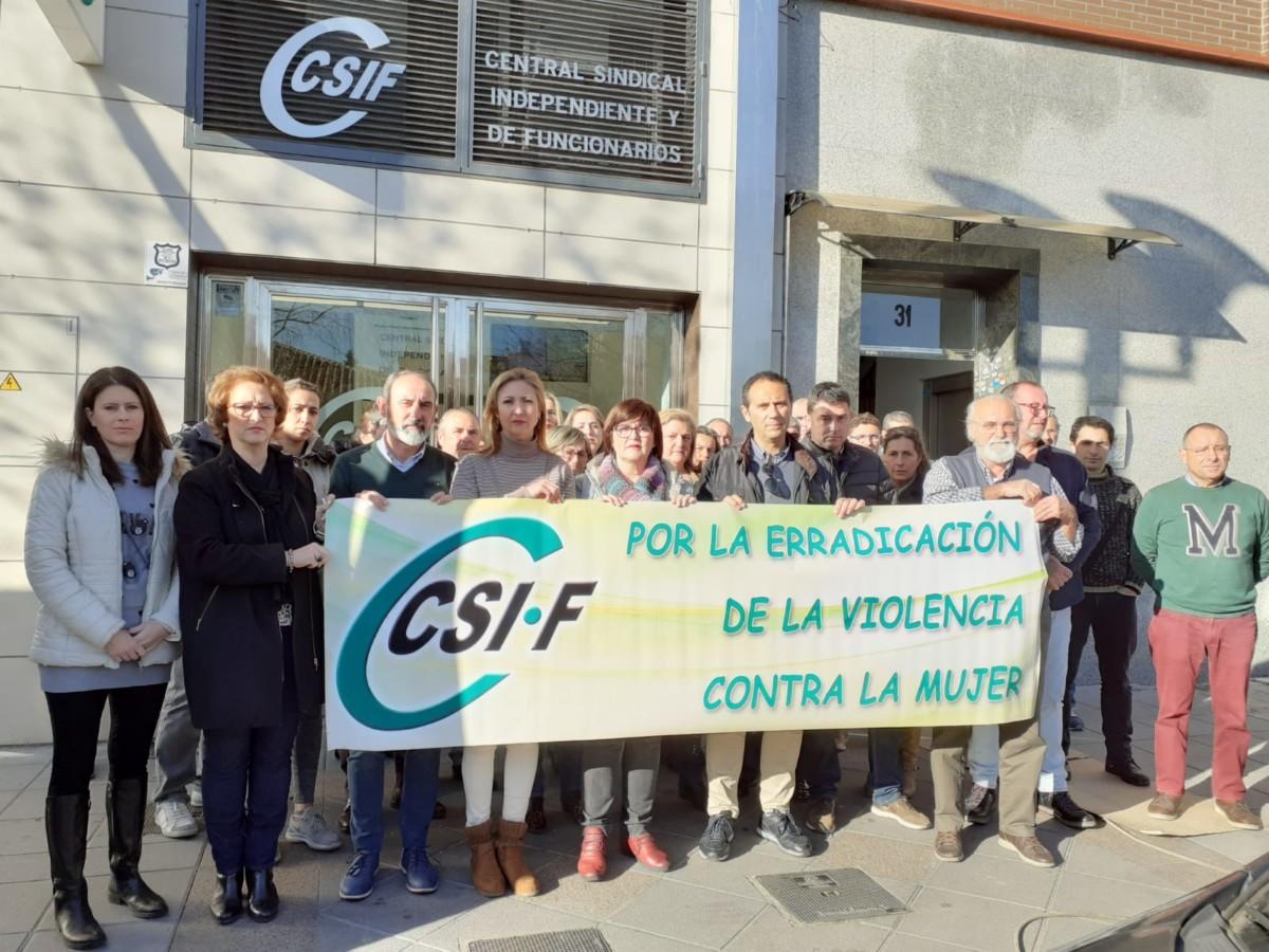 Concentración CSIF Granada asesinato machista 10022020 (1)