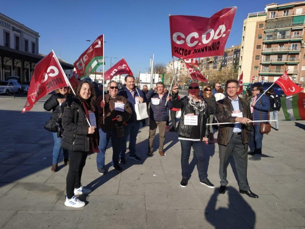 """Granada.- CCOO critica que el colectivo de intervención en ruta de los trenes """"reciben un 20% menos de salario"""""""