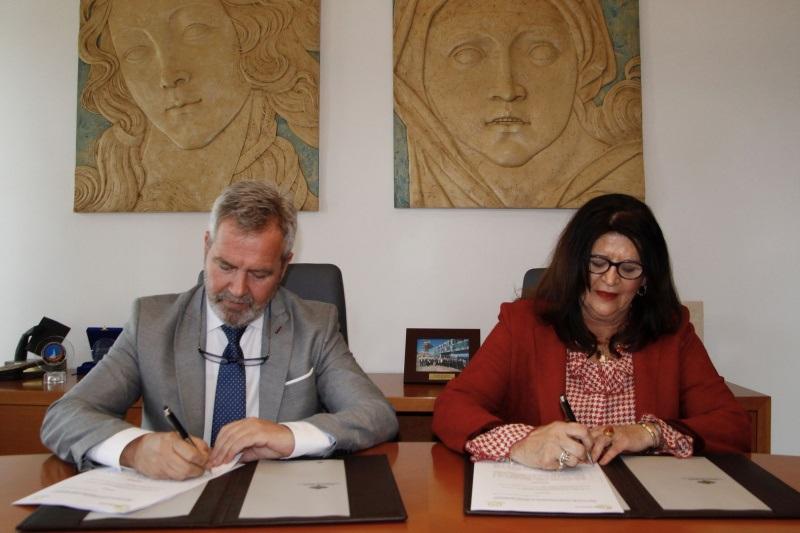 Granada.- Puertos.- Puerto de Motril renueva colaboración con asociación 'Granada Internacional' para ayudar a empresas