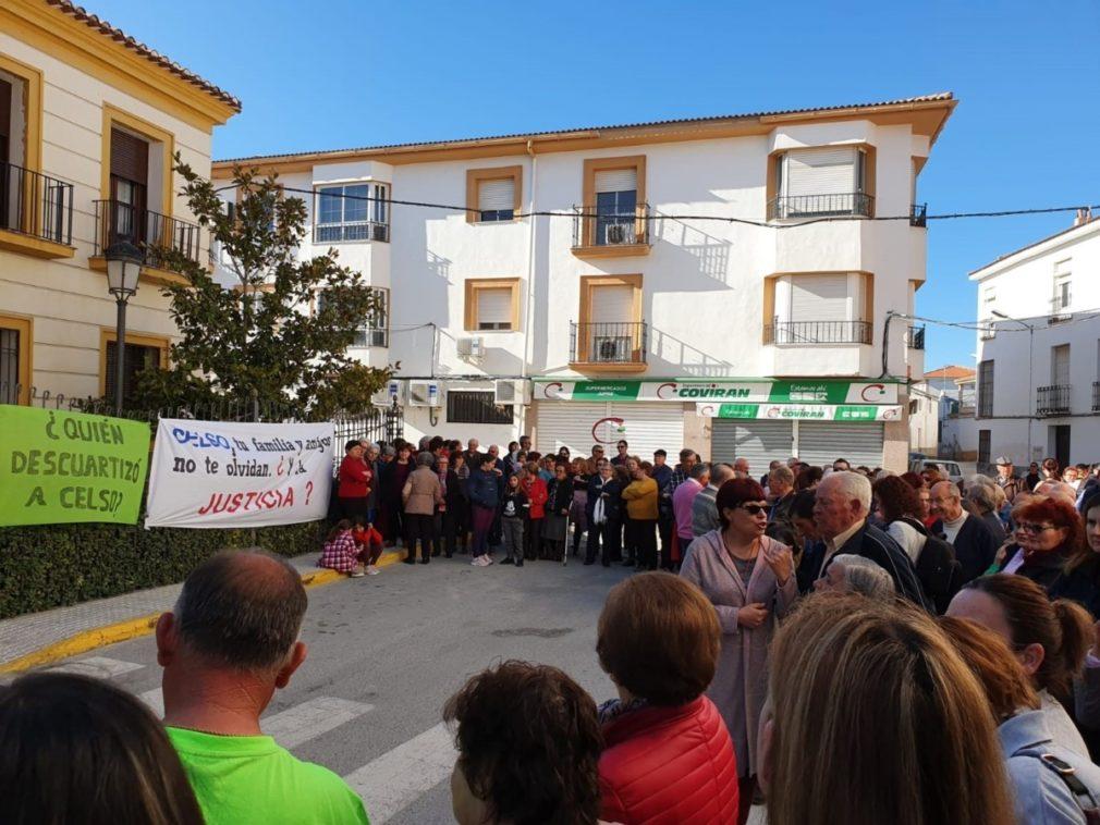 Granada.- Unas 200 personas se concentran en Zújar para aclarar la muerte del anciano cuyo cadáver hallaron desmembrado