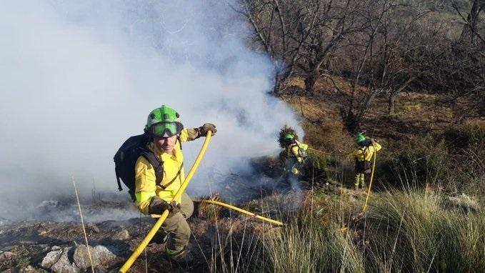 Granada.- Sucesos.- Estabilizado un incendio de vegetación baja declarado en la localidad de Cáñar