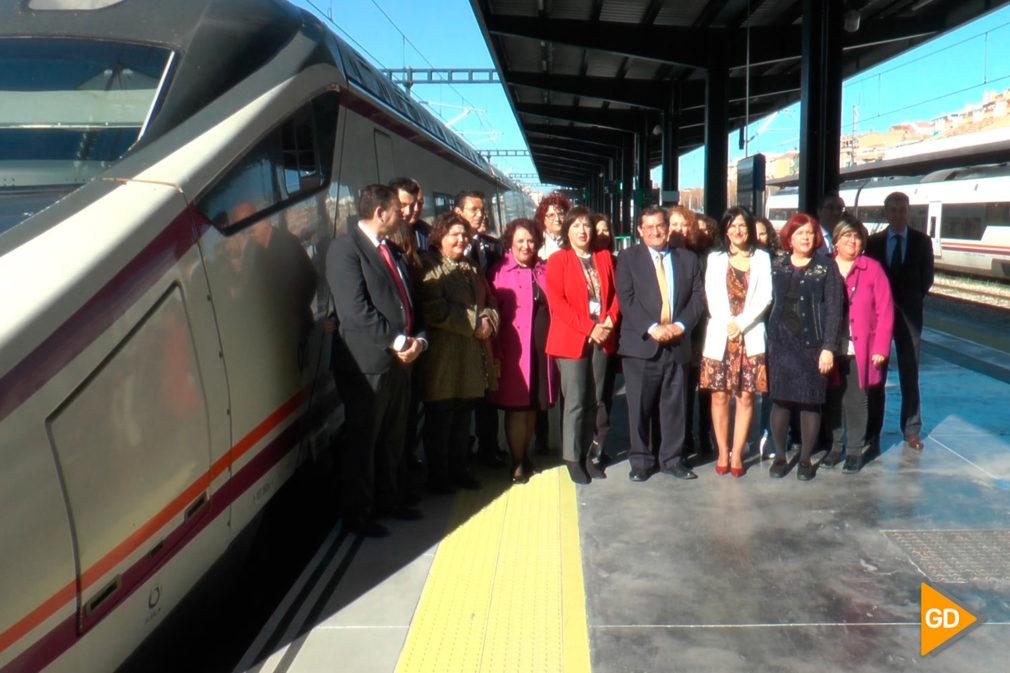 Fotos Granada y Sevilla, unidas con trenes Avant (2)