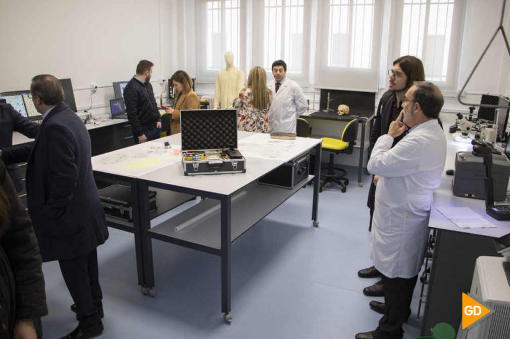 Inauguracion laboratorio criminalística - Helena López-21