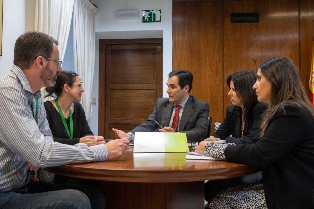 Reunión Nieto, Jurado y García junto a representantes Comité Empresa EASP