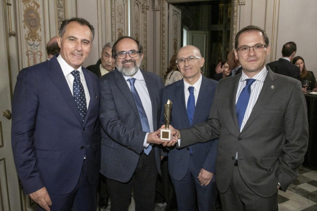 premio proyecto acelerador particulas