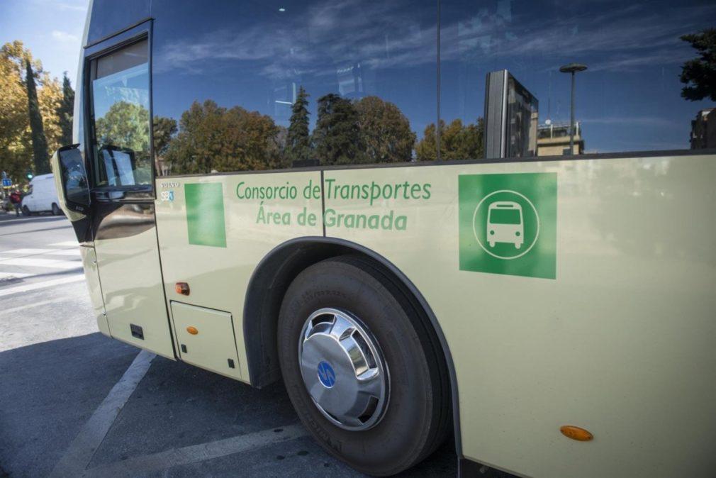 Autobús del Consorcio de Transporte Metropolitano del Área de Granada - Foto Junta