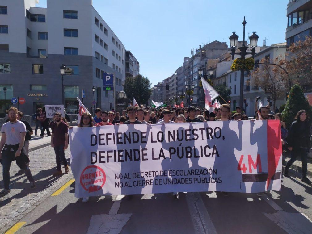 manifestacion defensa de la enseñanza pública - foto Javi Gea