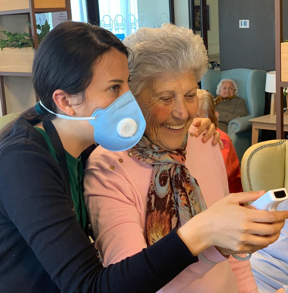 Trabajadora residencia de mayores