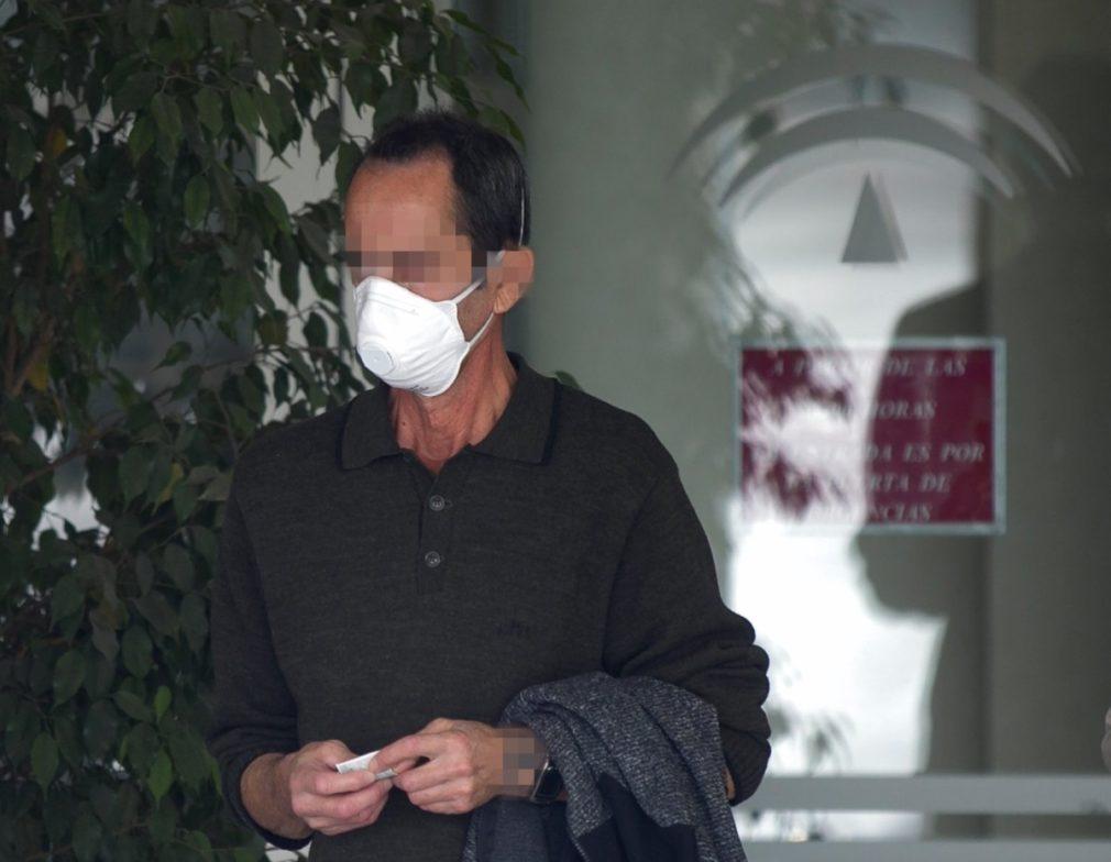 hombre mascarilla hospital andaluz