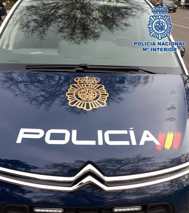 Fotografía vehículo policial
