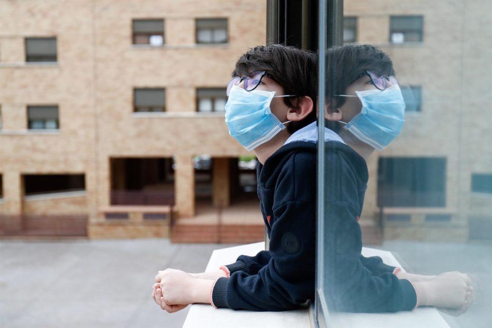 niño mascarilla coronavirus confinamiento