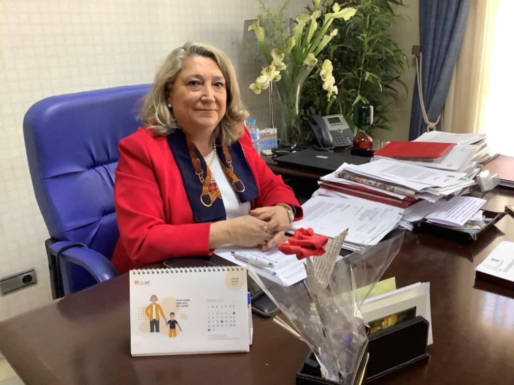 ALCALDESA ALMUÑECAR TRINIDAD HERRERA LORENTE