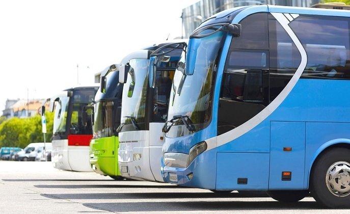 Autobuses parados - FEDERACIÓN INDEPENDIENTE DEL TRANSPORTE