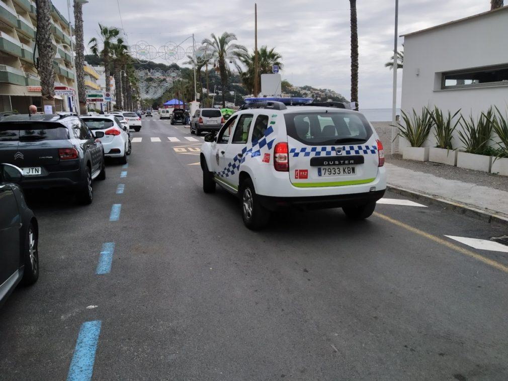 POLICIA LOCAL ALMUÑECAR PATRULLA PARA SUPERVISAR QUE SE CUMPLE CON LAS NORMAS (1)