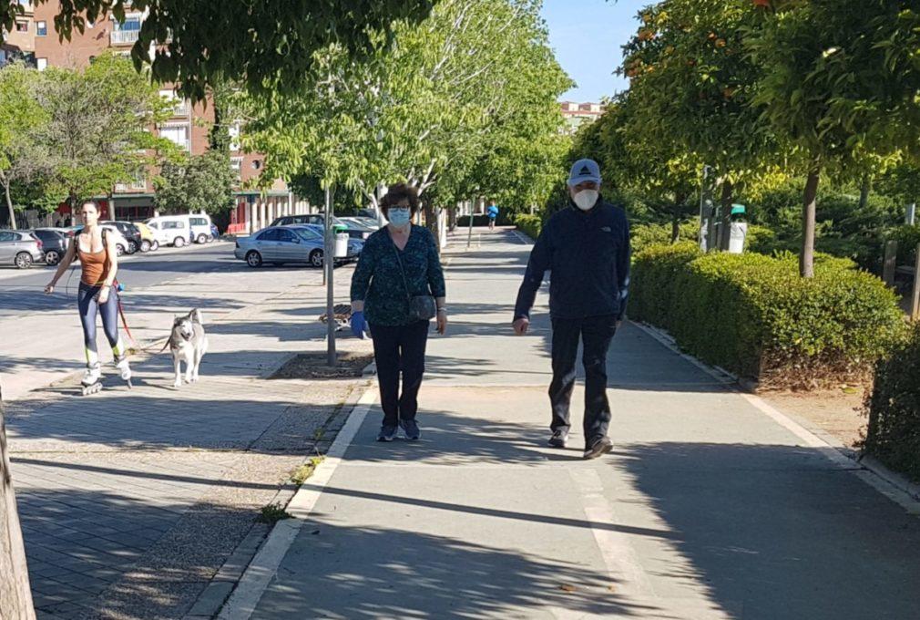 Salidas de los mayores a la calle en Granada 9