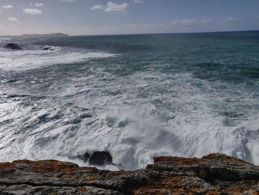 fuerte oleaje y viento