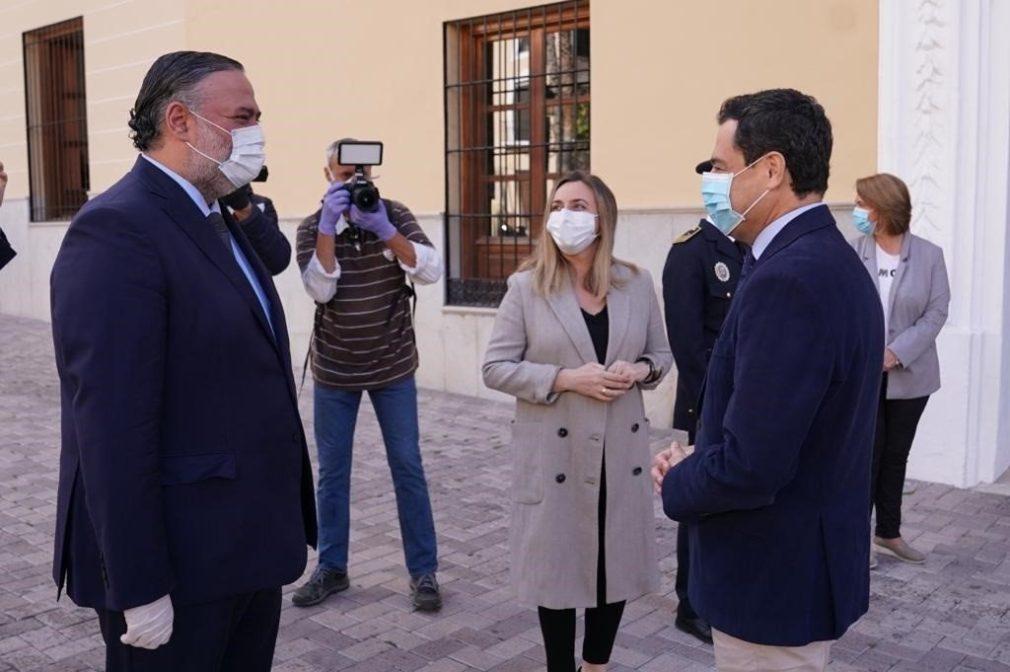 El presidente de la Junta, Juanma Moreno, visita Motril (Granada)
