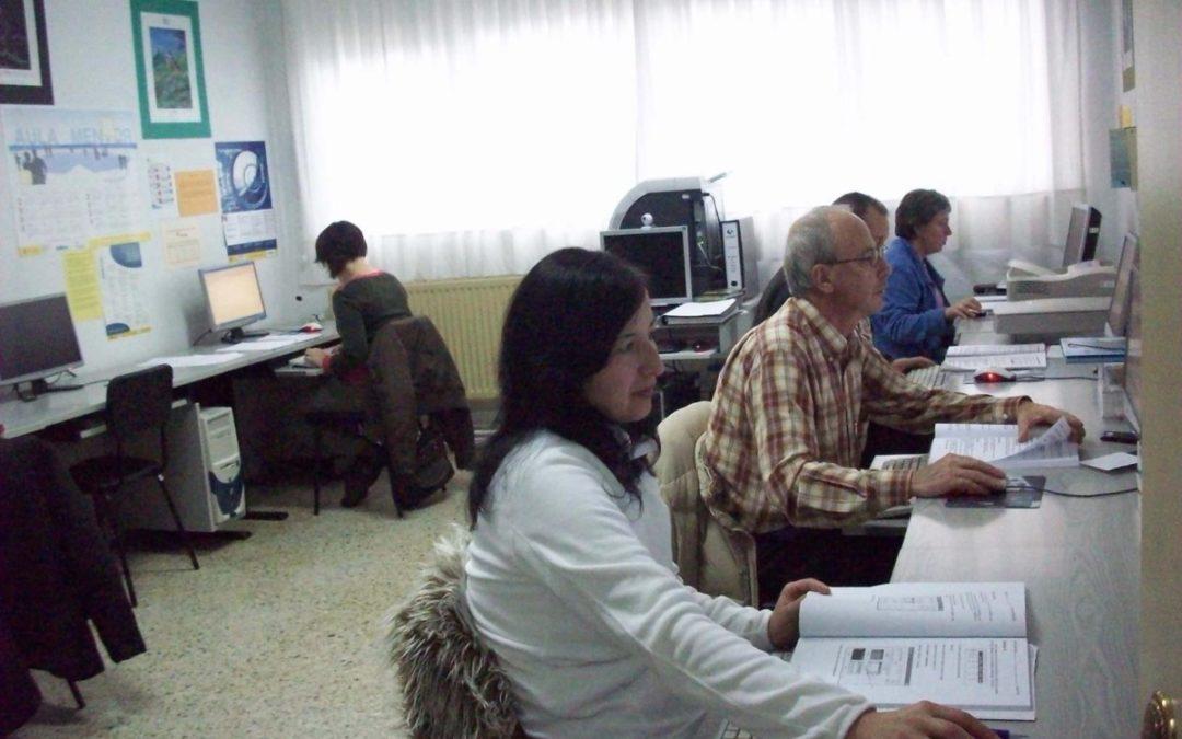 La Junta oferta más de 26.000 plazas de Educación Permanente para personas adultas en Granada