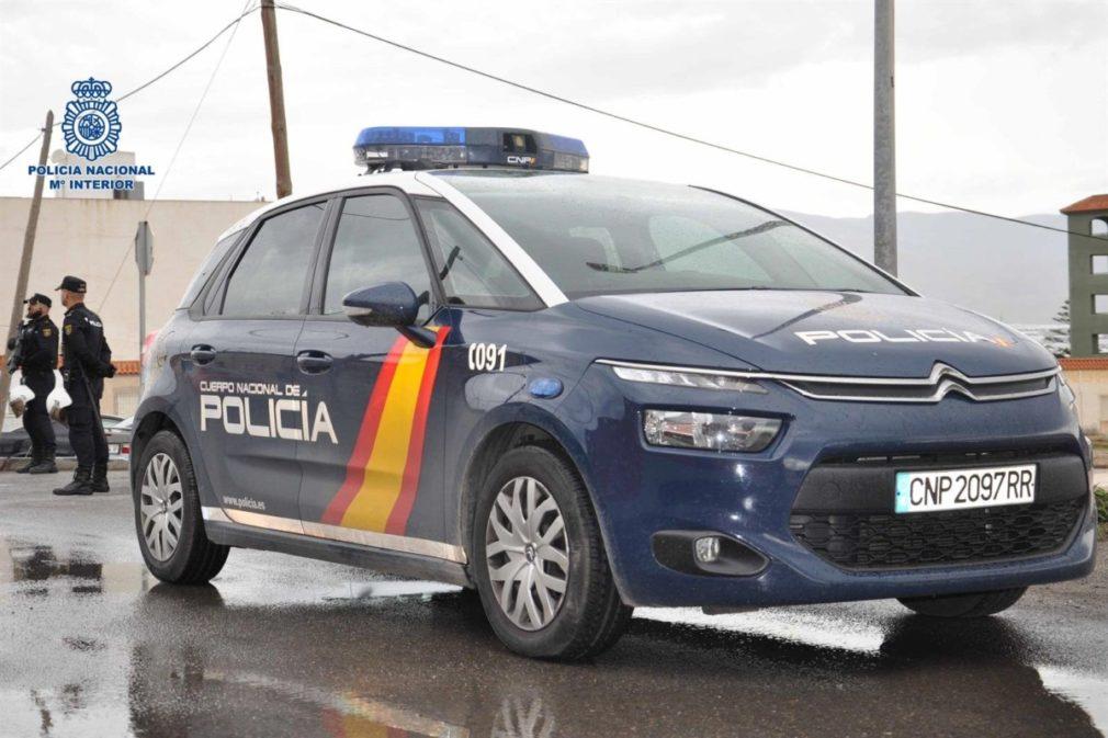 vehiculo policia nacional 210520