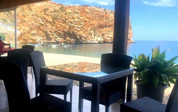 Chiringuito en Playa Calahonda