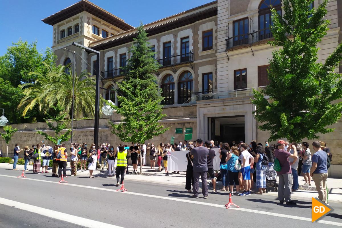 FOTOS PROTESTA DE PADRES (5)