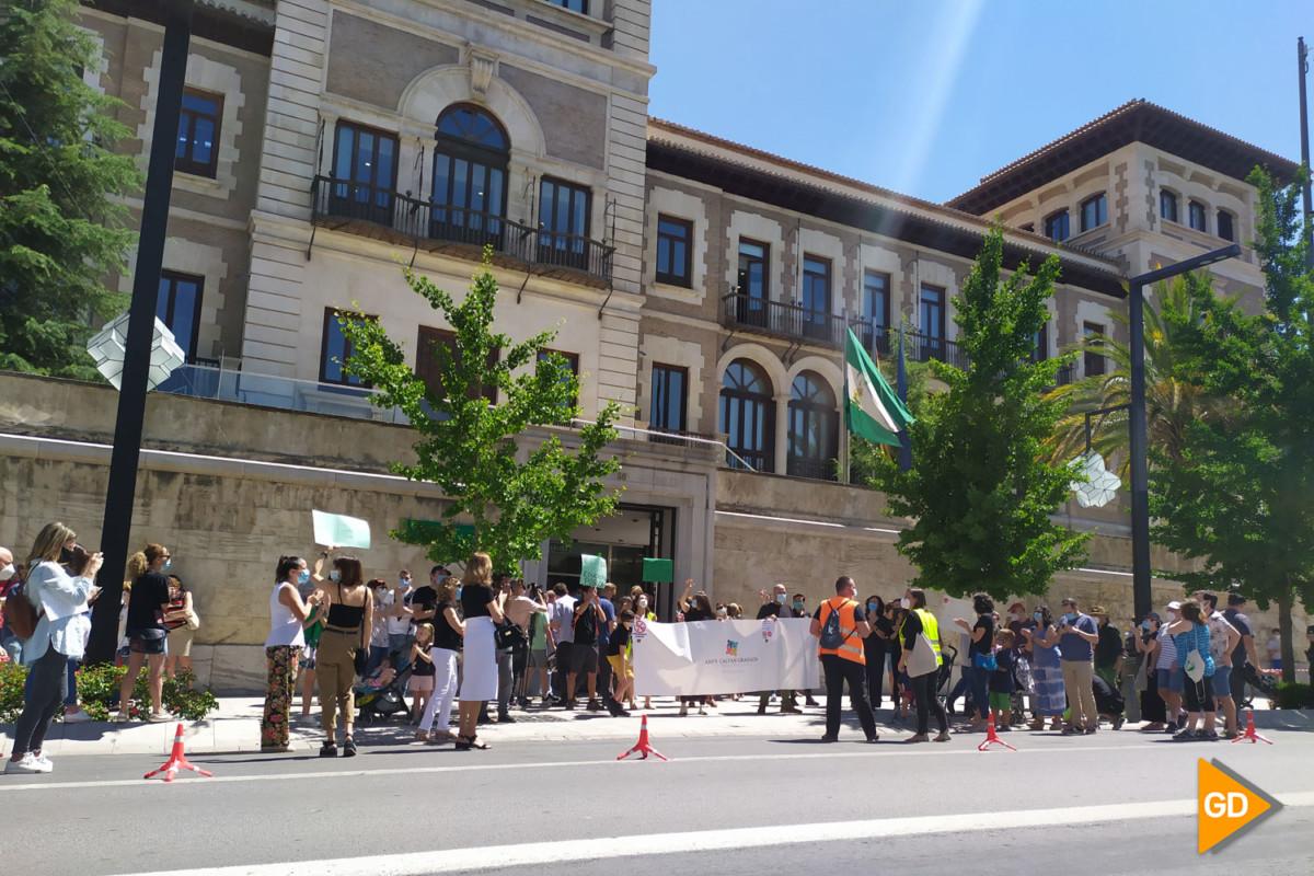 FOTOS PROTESTA DE PADRES (6)