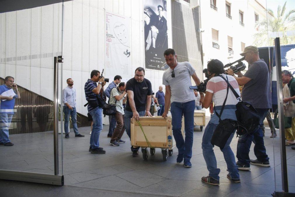 Llegada del archivo histórico que conforma el grueso del legado de Federico García Lorca a Granada - ÁLEX CÁMARA- EUROPA PRESS