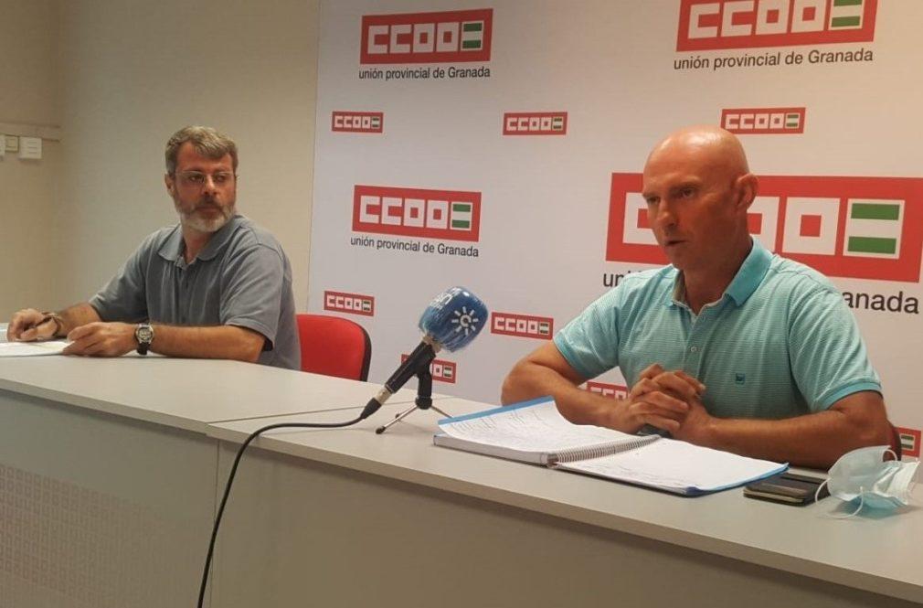El presidente y el secretario del comité de empresa de Transportes Rober, José Manuel Roldán y José María Gálvez
