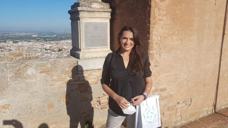 María Castro ha sido la primera en tocar la campana de la Torre de la Vela