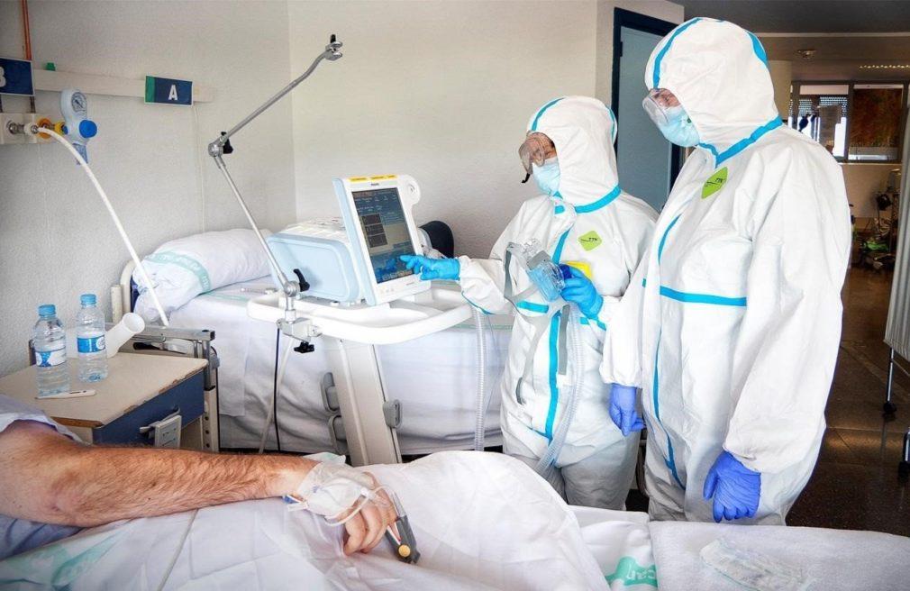 medicos paciente covid hospital